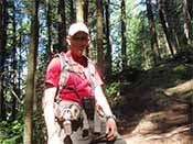 Hiker on Diez Vistas Trail